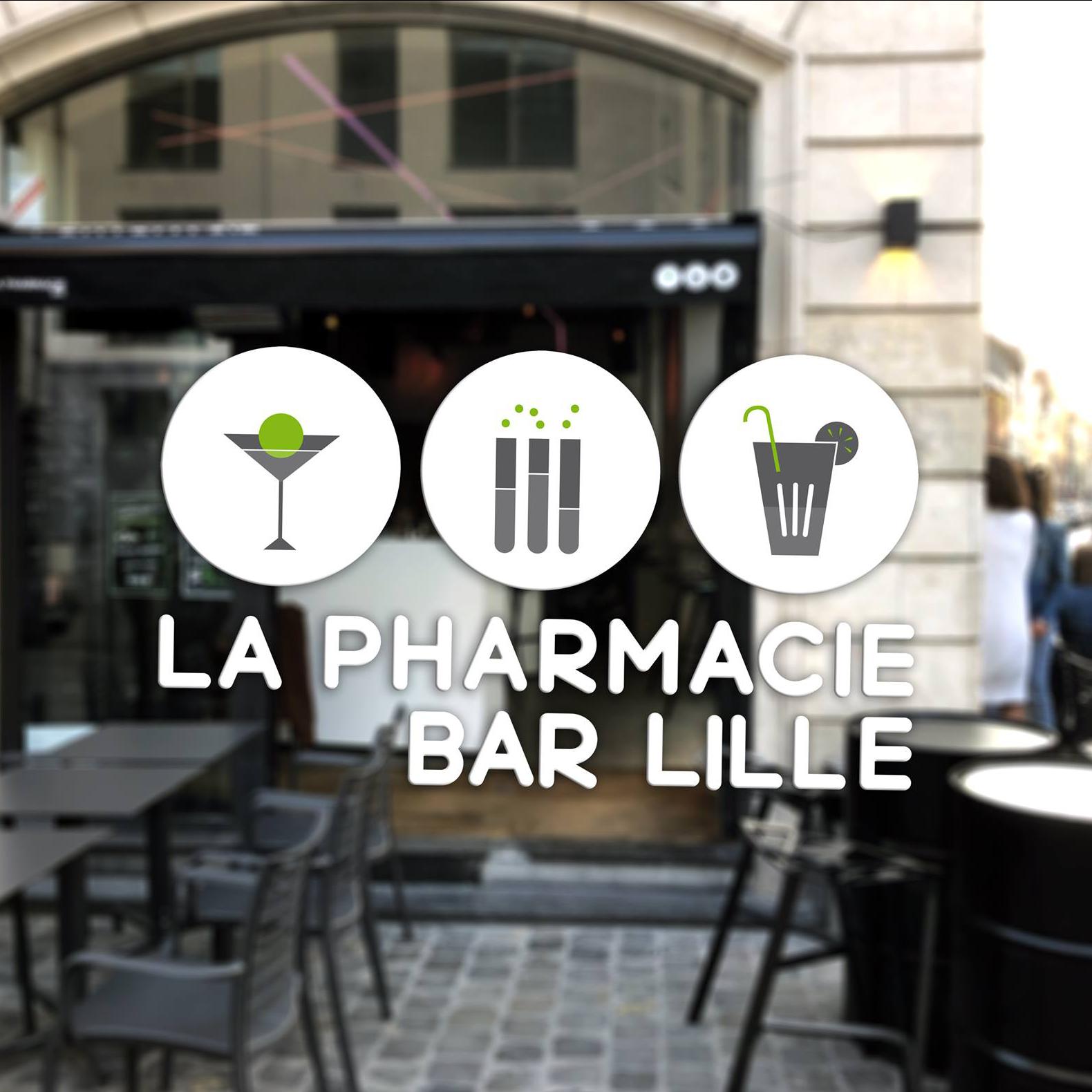 Client bar à cocktail La Pharmacie